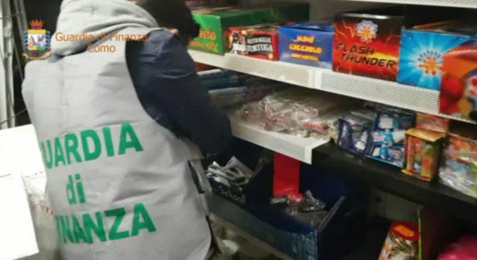 Sequestrata una tonnellata di fuochi d'artificio irregolari a Como