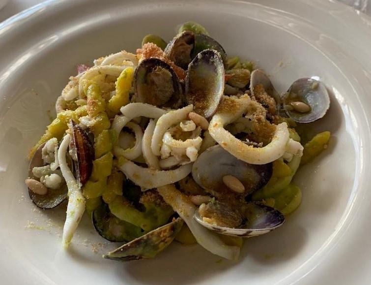"""""""Intrigo di mare"""", primo piatto di busiate fresche dello chef Dario Arena"""