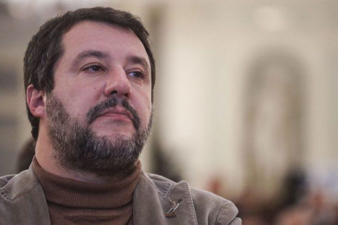 """Salvini """"Con la droga non sono garantista"""""""