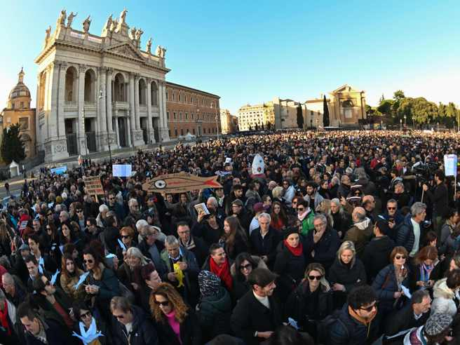 "Le sardine in piazza a Roma, Santori ""La politica non è marketing"""