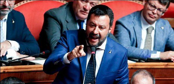 """Caso Gregoretti, dalla Giunta """"sì"""" al processo Salvini: deciderà l'Aula"""