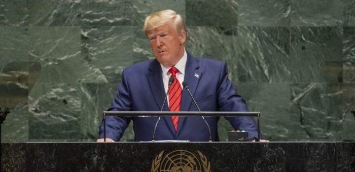 """Impeachment, Trump risponde alle accuse """"È una caccia alle streghe"""""""