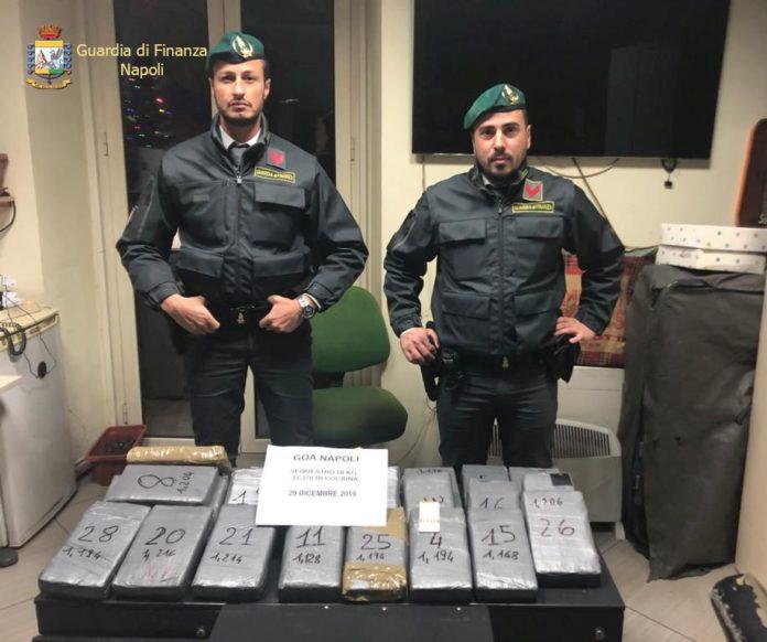 In auto con 33 Kg di cocaina, corriere arrestato a Napoli