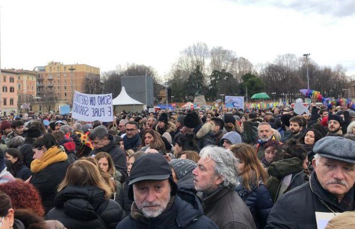 """Sardine, Santori """"Siamo oltre 40 mila a Bologna"""""""