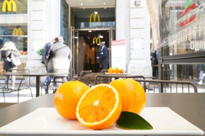 Nei McDonald's arrivano le spremute di arancia rossa siciliana