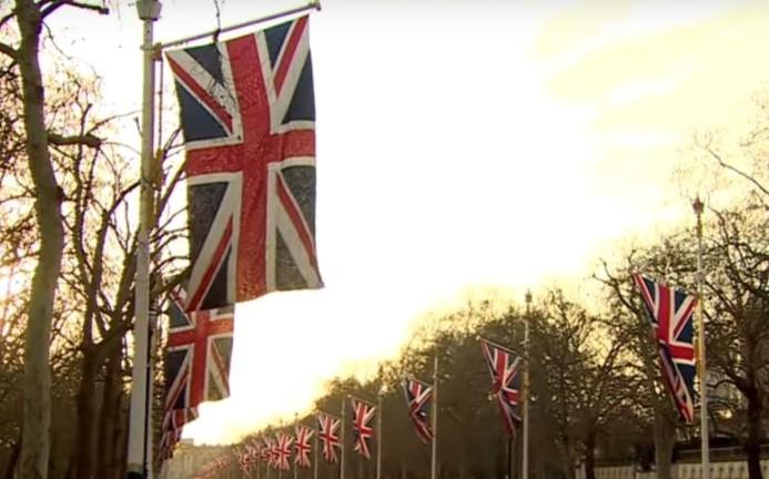 """Londra dice addio alla Ue, Johnson """"L'alba di una nuova era"""""""