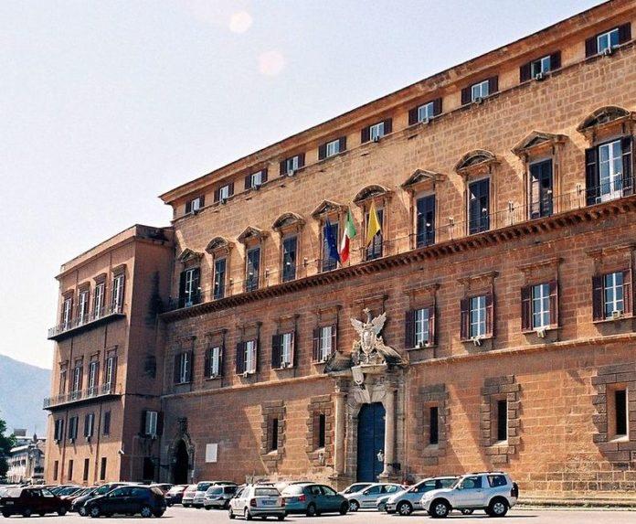 Coronavirus, stop visite turistiche nel palazzo del Parlamento siciliano