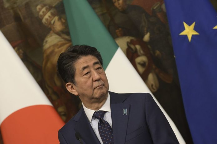 Il premier giapponese Abe apre al rinvio dei Giochi di Tokyo