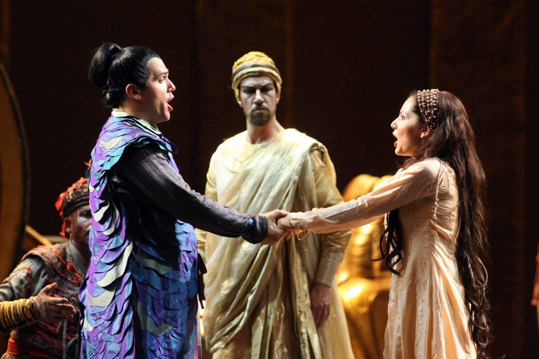Coronavirus, al Teatro Massimo il cartellone è web