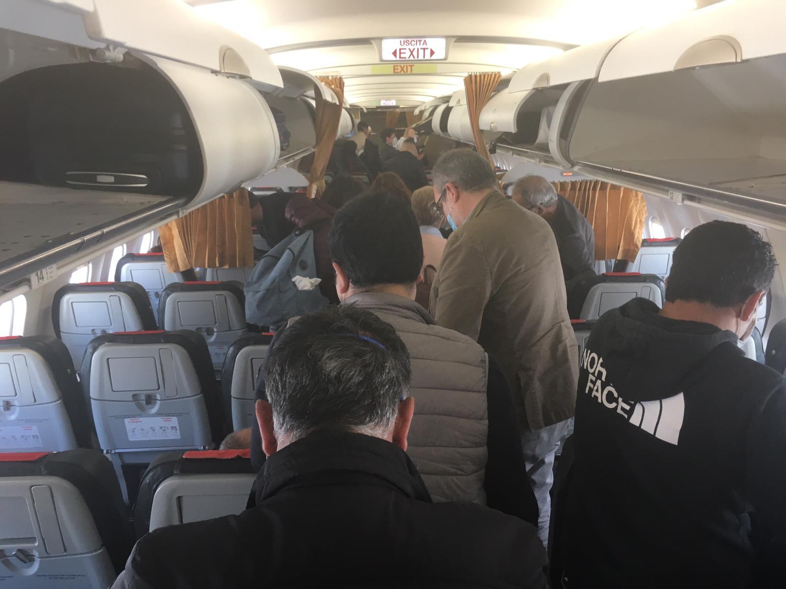 """Coronavirus, Musumeci: """"Alitalia non rispetta sicurezza su voli per Sicilia"""""""