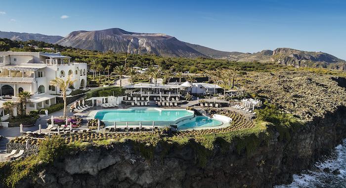"""Isole Eolie, il Therasia Resort riapre: """"È un atto d'amore"""""""