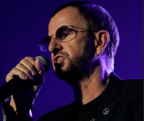 Buon compleanno Ringo Starr, il musicista compie 80 anni