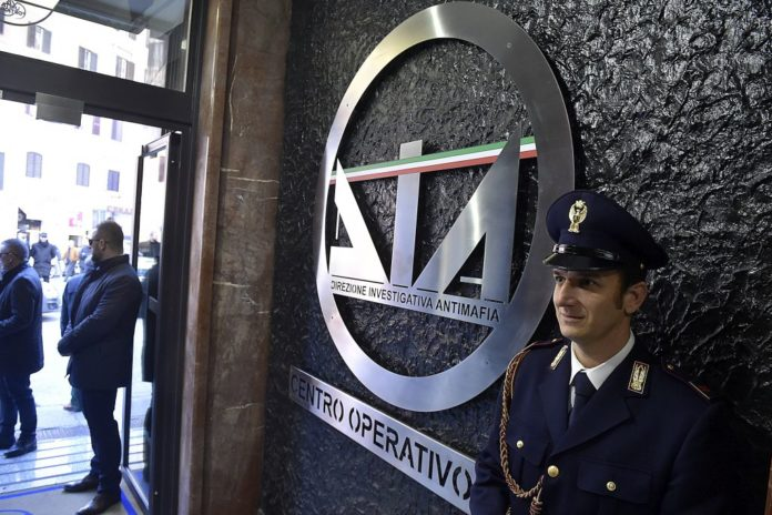 Mafia, arrestato il figlio del boss Badalamenti: era latitante da 3 anni