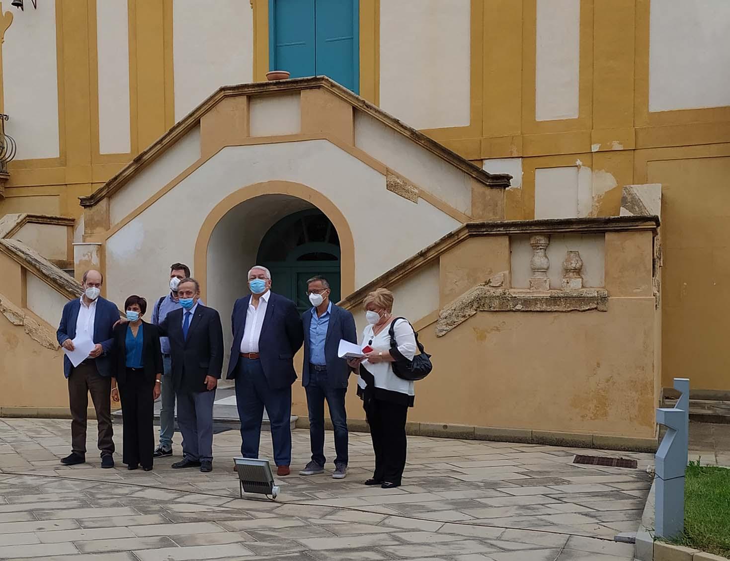 Covid, a Palermo presentato Vademecum per i medici