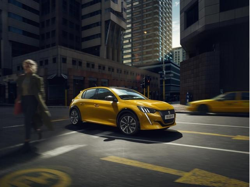 Con Nuova Peugeot 208, Peugeot ha fatto 100 nel pianeta delle City car