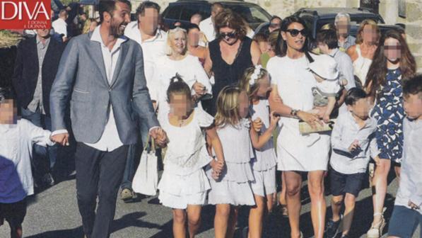 Ilaria D'Amico in total white al battesimo di Leopoldo