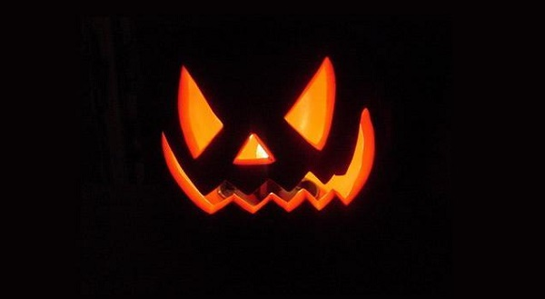 Halloween zucca mania come intagliarla e decorarla for Immagini zucche halloween
