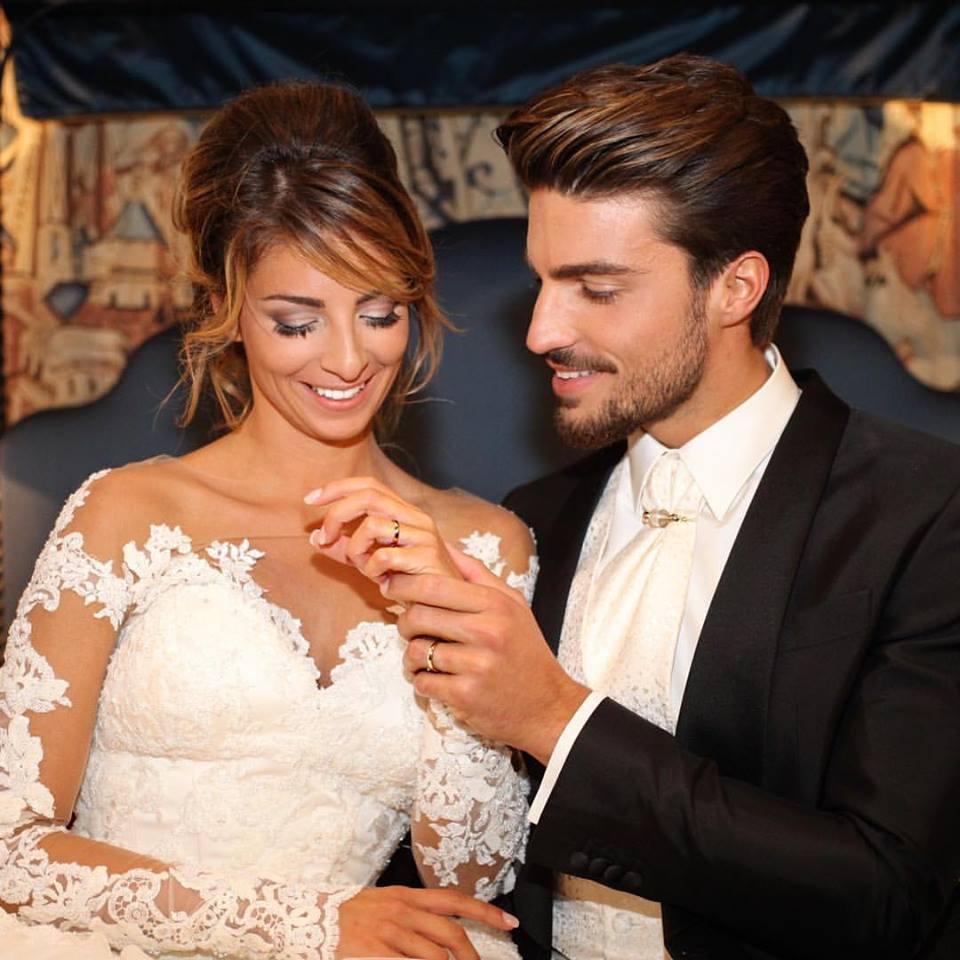 Auguri Matrimonio Evangelico : Mariano di vaio si è sposato le foto delle nozze sono
