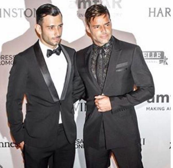 Ricky Martin mano nella mano con il fidanzato Jwan Yosef